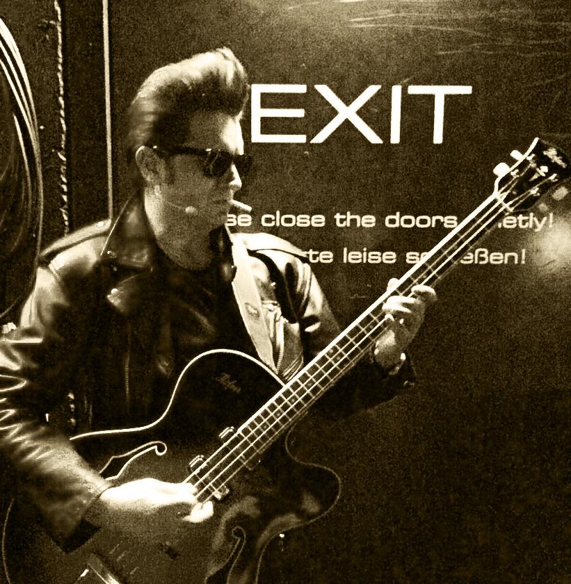 Schauspieler-Alexander-Gregor-als-Beatles-Bassist-Stuart-Sutcliffe